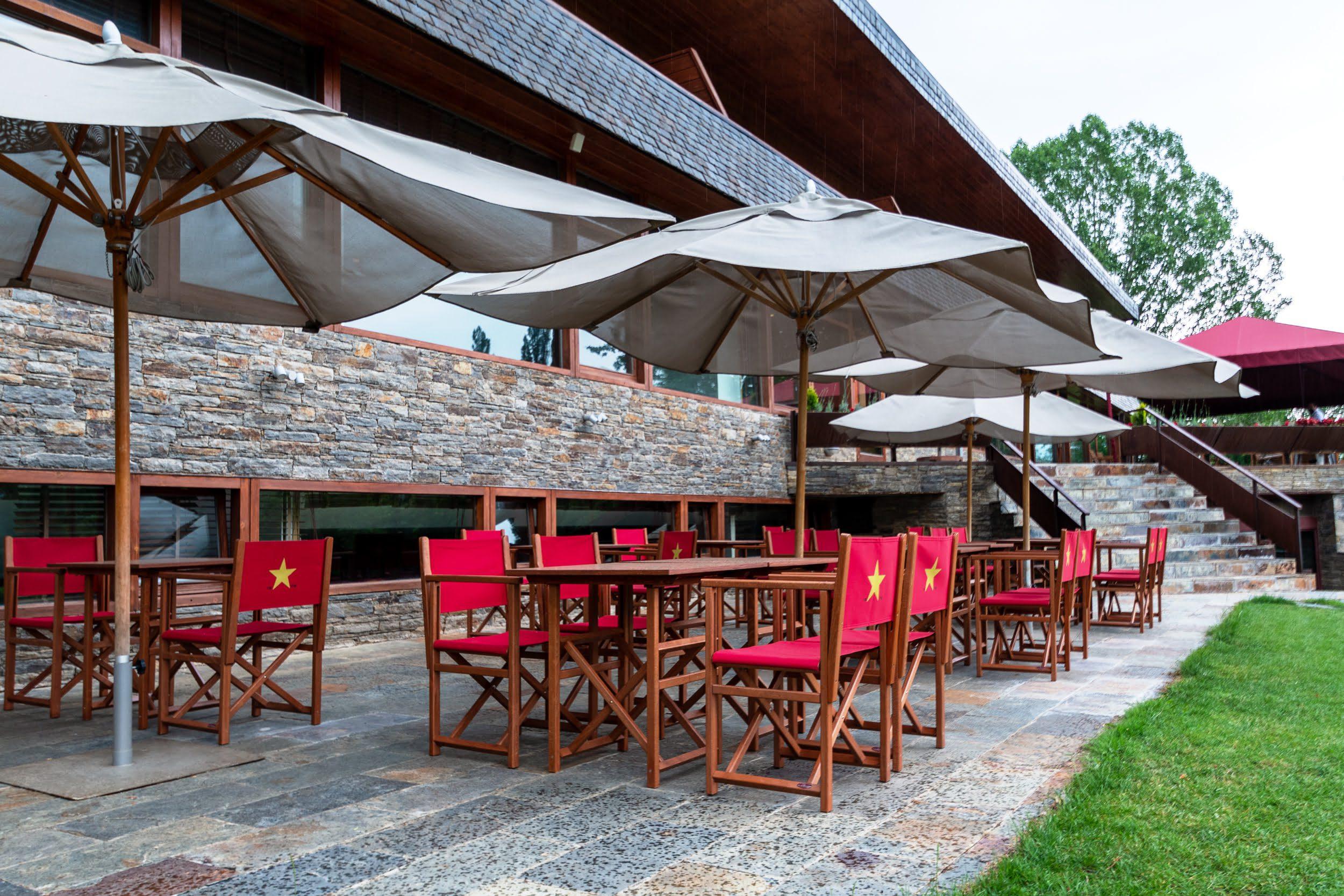 Bar-Els-Saücs-Hotel-Xalet-del-golf-cerdanya