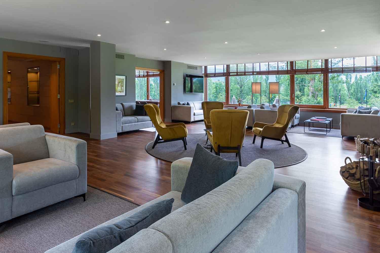 sala-ximenea-Hotel-Xalet-del-golf-cerdaña